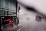 7 sfaturi pentru a conduce prudent pe vreme ploioasa