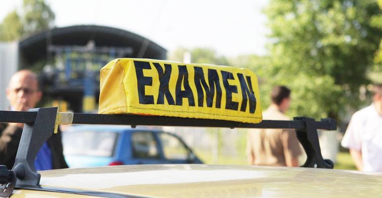 Examenul auto: sala valabila un an?